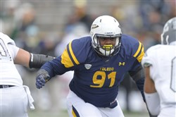 Toledo defensive tackle Treyvon Hester