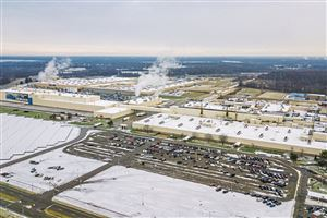 General Motors' Lordstown assembly plant, which opened in 1966 and spans 905 acres, Wednesday, Dec. 5, 2018, in Lordstown, Ohio.
